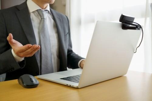 「これさえできれば大丈夫」シニア社員のためのオンライン商談研修